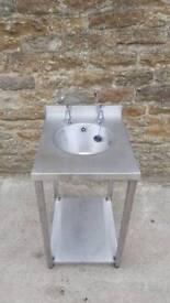 Hand basin sink