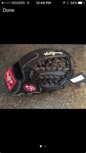 Rawlings baseball glove  Kingston Kingston Area image 1