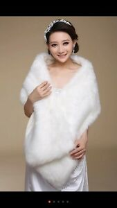 Brand new wedding fur shawl / veil/ gloves