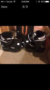 Lamar snowboard with boots  London Ontario image 3