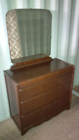 SOLID WOOD 3 DRAWER DRESSER & MIRROR -GREAT SHAPE - DELIVERY
