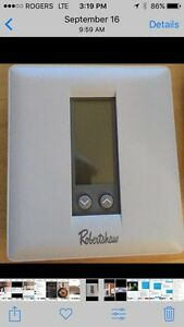 RobertShaw digital thermostat  West Island Greater Montréal image 2