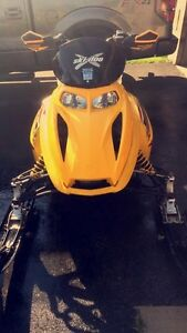 '05 Skidoo MXZ 500ss w/ NEW track London Ontario image 2