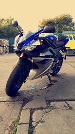 Yamaha YZF-R125 2015