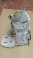 **AIR XP WALKER LARGE -WALKING BOOT**