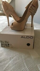 Nude coloured peep toe pumps  Oakville / Halton Region Toronto (GTA) image 2