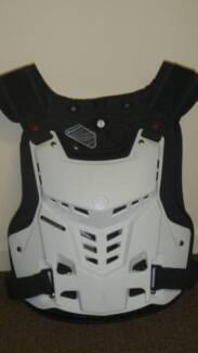 SC0YCO MOTOCROSS BODY ARMOR AM05 MEDIUM WHITE MOTORBIKE