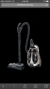 Samsung bagless canister vacuum