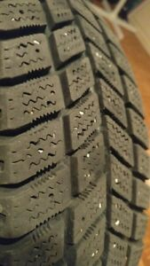 "Set of winter tires 14"" 4 bolt. Cambridge Kitchener Area image 3"