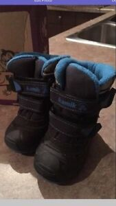 Toddler winter boots London Ontario image 1