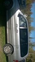 2005 Kia Sedona Minivan, Van