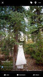 Essence of Australia d1181 wedding dress