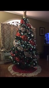 7.5 ft tree WITHOUT LIGHTS