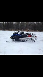 2010 skidoo summit 154 800 and trailer REDUCED!