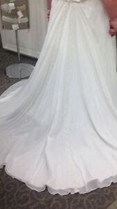 Wedding dress.  Kingston Kingston Area image 2