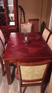 Dining table & Hutch Kingston Kingston Area image 2