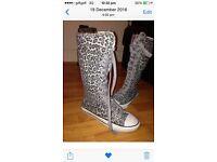 Ladies/girls boots