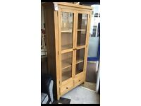 Ex-display/seconds***Solid oak display cabinet---BARGAIN AT £220---CALL TODAY!!!
