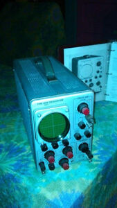 Oscilloscope TEKTRONIX model 310A