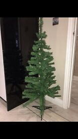 10£ artificial Christmas tree 4 foot