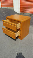 2 Drawer Solid Oak Front Nite Stand or End Table