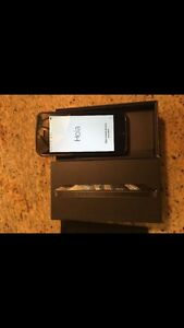 Selling iphone 5s unlocked Windsor Region Ontario image 1