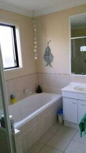 Room to Rent, Suitable for working person only Single Bedroom Pacific Pines Gold Coast City Preview