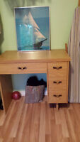 Sewing machine table/desk