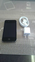 Black IPhone 4   8 GIG  / Rogers  / MINT