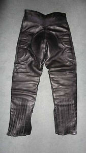 MOTORCYCLE BLACK LEATHER PADDED BIKERS RIDDING PANTS