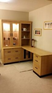 ALMOST NEW condition L-shaped wood executive work station