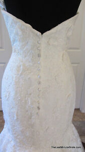 Beautiful Allure Wedding Gown (size 6) MUST SELL QUICKLY Regina Regina Area image 2