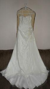 Prix pour vente rapide:Robes de mariée (Weedding dresses) neuves