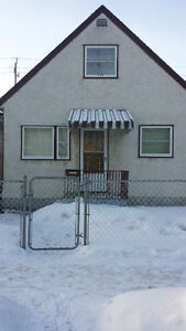 698 Redwood Ave for Rent