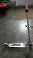 KIDS SCOOTER - RAZOR BRAND $120.00 NEW-NEVER USED OUTSIDE