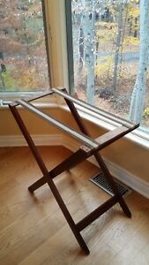 OLD WOODEN BUTLER TABLE price drop West Island Greater Montréal image 4