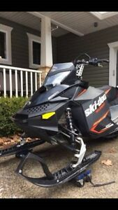 2015 Skidoo Summit 800 - ONLY 950KMS! REDUCED