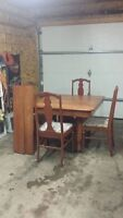 ANTIQUE MAPLE & 4 CHAIRS