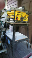 10 inch DeWalt table saw with table
