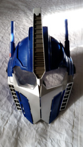 My boys are selling their talking Optimus Prime mask In great use