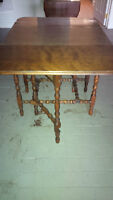 ANTIQUE GATE LEGGED TABLE IN GOOD SHAPE - DELIVERY AVAILABLE