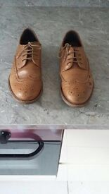 Boys leather shoes size 5