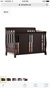 Baby crib 4 in 1 with mattress