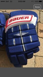Bauer NHPRO Hockey Gloves - Montreal Canadiens  West Island Greater Montréal image 2