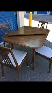 Solid wood kitchen/ dining set  London Ontario image 5