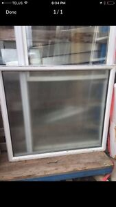 Fixed vinyl window with privacy glass