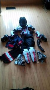 Complete Youth Small/Med/LG Hockey Eqpt. w/ Helmet and Skates