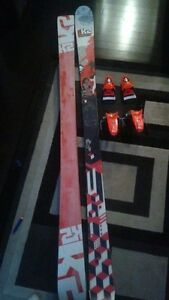 Skis/boots/bindings