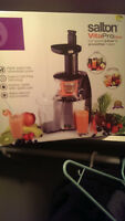 VitaPro Plus Juicer - Excellent Condition