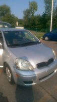 2004 Toyota Echo hatchback - 150 000km! Excellent état.